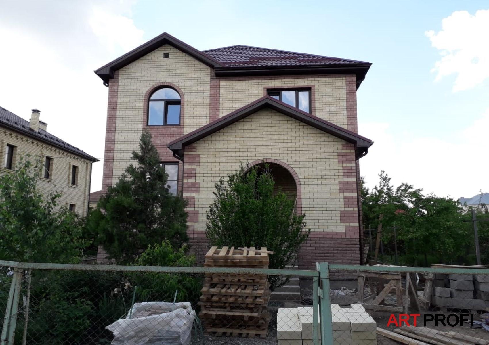 Строительство домов. Дом из колотого кирпича.